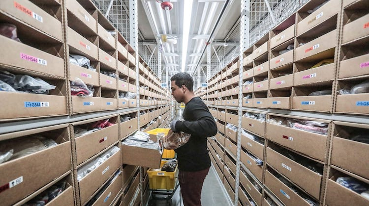 Amazon Hiring 4,000 Employees In Arizona