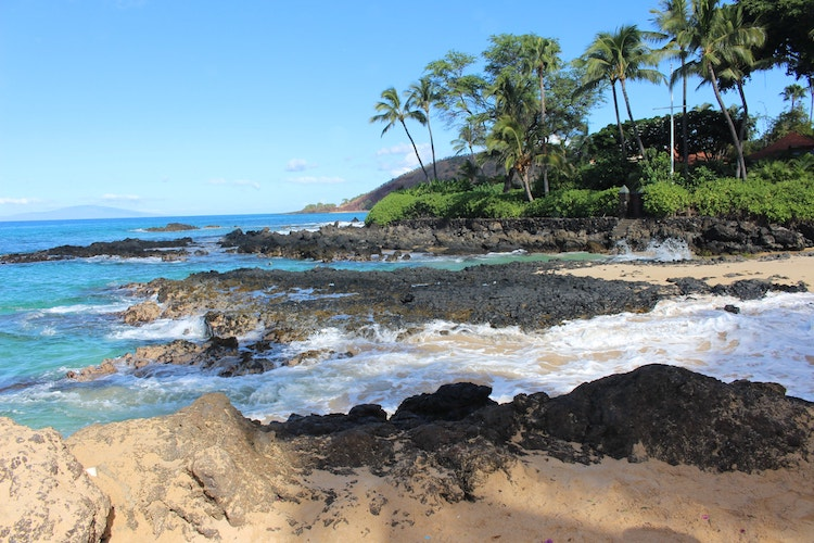 Traveling to Hawaii Amid COVID, the Right Way