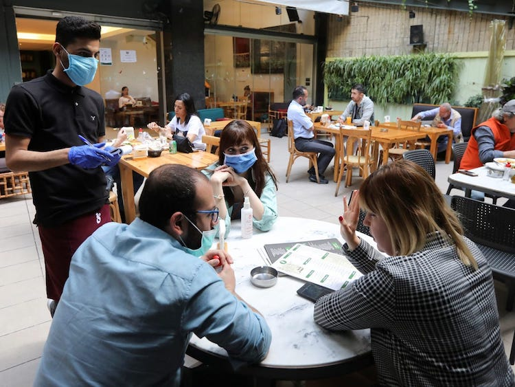 Expert Advises How To Lower Your Coronavirus Risk While Dining Out