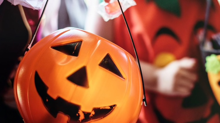CDC Has Classified Halloween Trick-or-Treating as 'High-Risk'