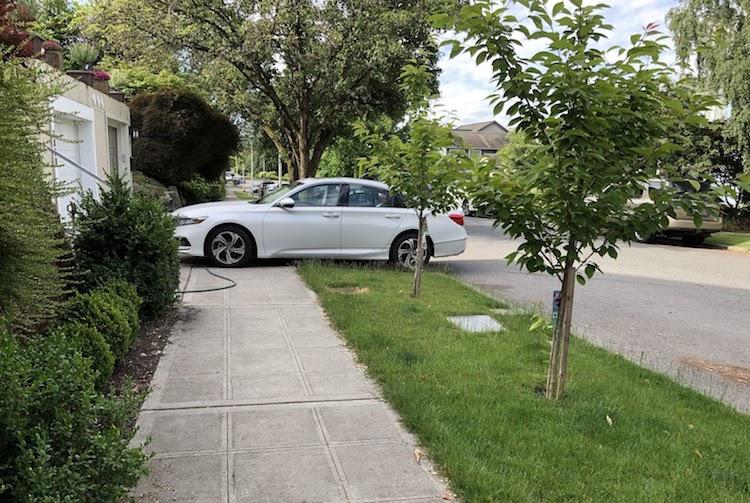 New Arizona Law Bans Parking that Blocks Sidewalk