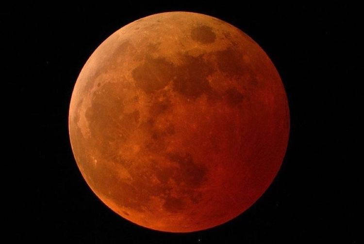 Total Lunar Eclipse to Take Place on May 26