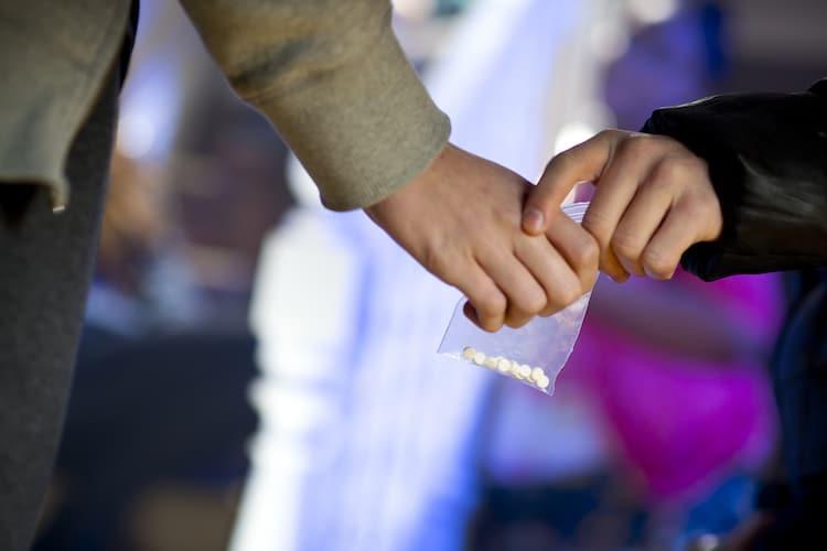 Warning to Parents How Drug Dealers Target Children on Social Media