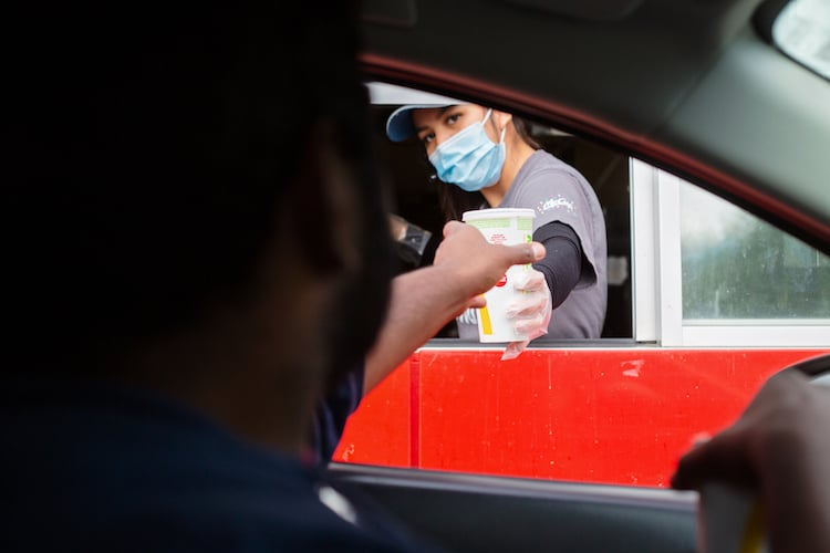 Major Food Chain Now Requiring All Customers Wear Mask Regardless of Vaccination Status